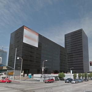 'Century City Medical Plaza' by Cesar Pelli (StreetView)