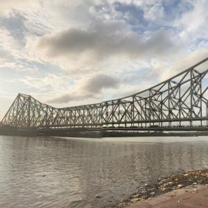 Howrah Bridge (StreetView)