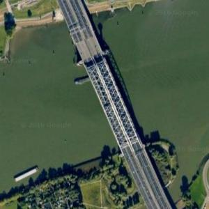 Van Brienenoordbrug (Google Maps)