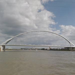 De Oversteek bridge (StreetView)