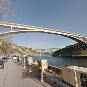 Infante D. Henrique Bridge (StreetView)