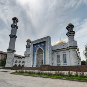Almaty Central Mosque (StreetView)