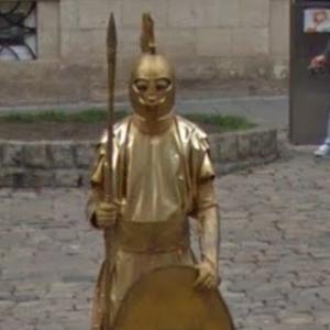Human statue (StreetView)