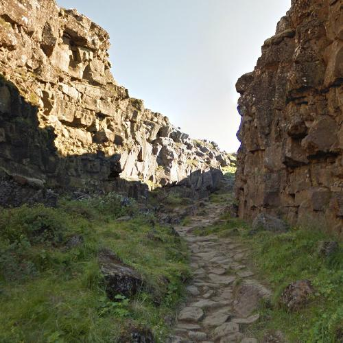 "The Bloody Gate site (""Game of Thrones"") (StreetView)"