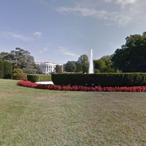 South Lawn - White House (StreetView)