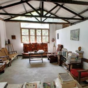 Inside the Jane Goodall's home (StreetView)