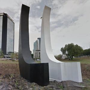 Señales o la herradura by Ángela Gurría (StreetView)