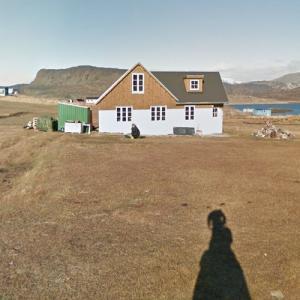 Nikolaj Coster-Waldau's summer cottage (StreetView)