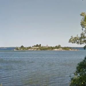 Chimney Island (StreetView)