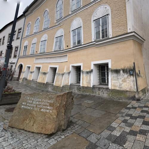 Google Solar Map >> Birthplace of Adolf Hitler in Braunau am Inn, Austria ...