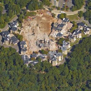 'Hill-Town Housing' by John Johansen (Google Maps)