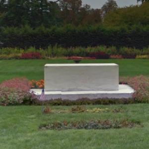 Gravesite of Franklin D. and Eleanor Roosevelt (StreetView)