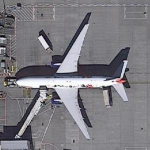 "British Airways Boeing 777-236 ""GREAT Festival of Creativity in Shanghai"" at LHR (Google Maps)"