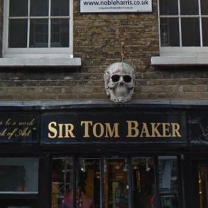 Skull with dagger (StreetView)