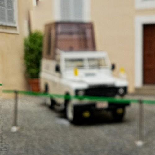 Popemobile of 2016 (StreetView)