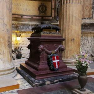 King Umberto I of Italy's tomb in the Pantheon (StreetView)