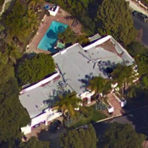 Photo: house/residence of the talented 0.5 million earning Los Angeles, California-resident