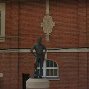 Statue of Johnny Haynes (StreetView)