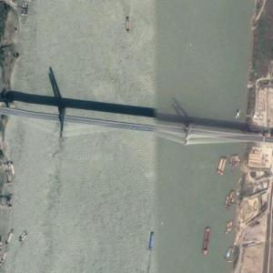 Huanggang Yangtze River Bridge (Google Maps)
