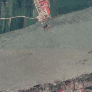 Qingshan Yangtze River Bridge under construction (Google Maps)