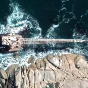 'Boss 400' - wreck of South Africa's largest floating crane (Google Maps)