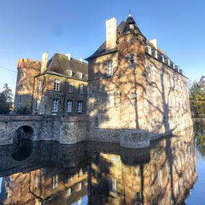 Braine Castle (StreetView)