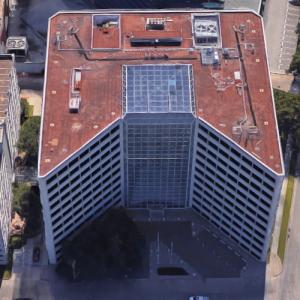'One West Loop Plaza' by I.M. Pei (Google Maps)