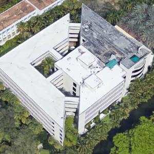 'Miami Business School' by Michael Graves (Google Maps)