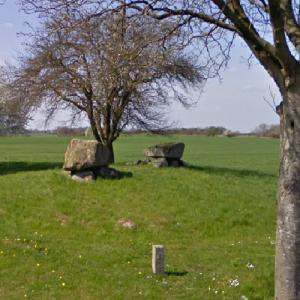 Vielsted Langdysse (Long Barrow) (StreetView)