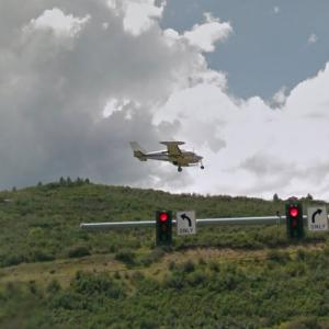Landing in Aspen (StreetView)