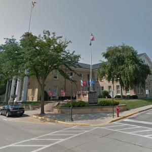 Iowa County Courthouse (oldest courthouse in Wisconsin) (StreetView)