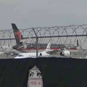 President Trumps private Boeing 757 at LGA (StreetView)