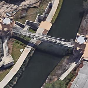 Lone Star Brewery Bridge (Google Maps)