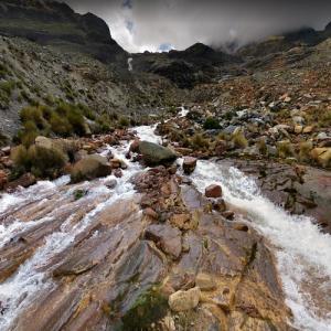 Illimani mountain stream (StreetView)