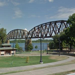 CSX - Henderson Bridge (StreetView)