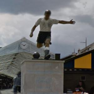 Duncan Edwards statue (StreetView)