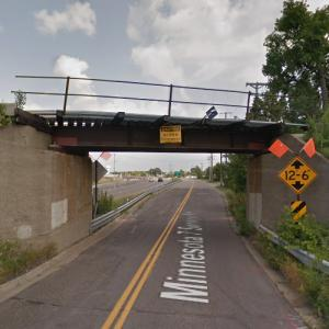 CP - MN-7 Frontage Road Overpass (StreetView)