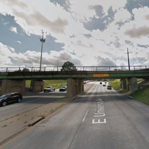 UP - East University Avenue Overpass (StreetView)