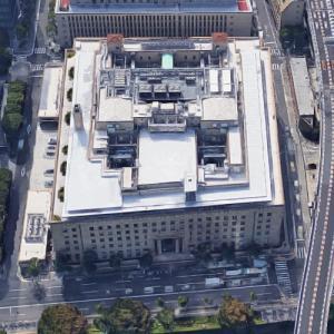 'Sumitomo Mitsui Banking Osaka Head Office' by Nikken Sekkei (Google Maps)