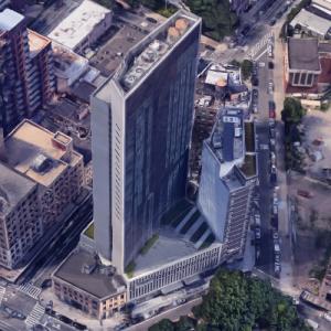 'Courtyard Marriott Hotel & Aurora LIC Residences' by Handel Architects (Google Maps)