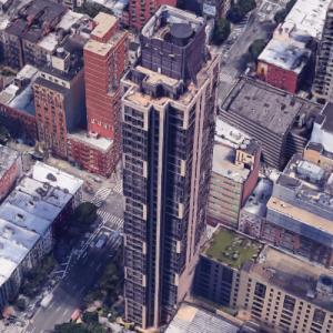 'Bridge Tower Place Condominiums' by Costas Kondylis (Google Maps)
