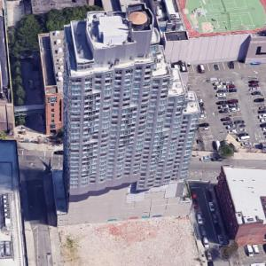 '80 DeKalb Avenue' by Costas Kondylis (Google Maps)