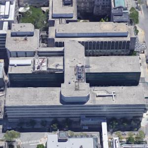 'Bernard A. Mitchell Hospital' by Perkins and Will (Google Maps)