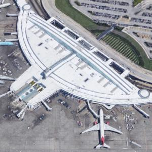 'O'Hare Airport Terminal 5' by Perkins and Will (Google Maps)