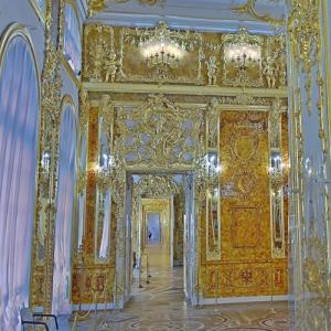 The Amber Room in the Catherine Palace (StreetView)
