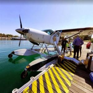 Seaplane in Dubai (StreetView)