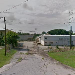 """Henry leaves wagon to help (""""The Walking Dead"""") (StreetView)"""