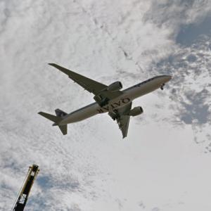Qatar Airways Boeing 777 (StreetView)