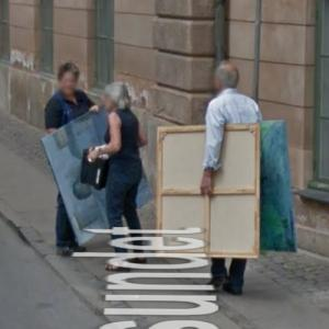 Carrying paintings (StreetView)