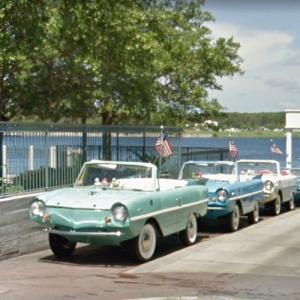 Amphicars - 1/2 boat 1/2 car (StreetView)